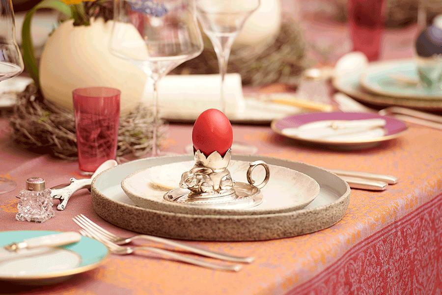 VONsociety: Ostertisch gedeckt mit Keramik von Marianne Seiz, Silber von Annette Ahrens, Gläsern von Zalto, Porzellan von Augarten (c) Sabine Klimpt